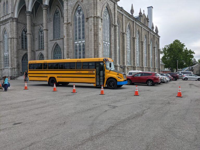 Départ de l'autobus électrique